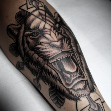tattoo-for-men-tiger-renegolker-voltfoltertattoostudio
