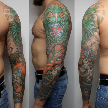 tattoo-munich-fullsleeve-color-tattoo-for-men-eule-owl-renegolker-voltfoltertattoostudio