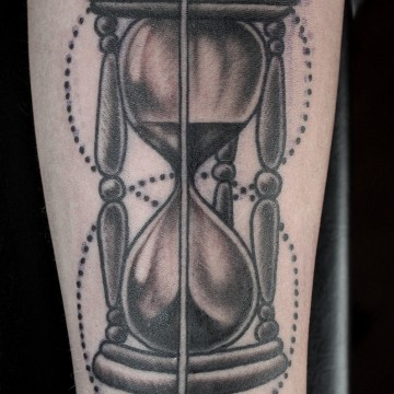 tattoo-sanduhr-renegolker-voltfoltertattoostudio